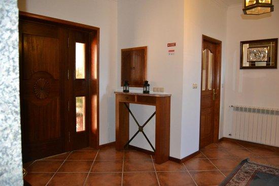 Quinta do Carvalho: Porta de entrada, hall