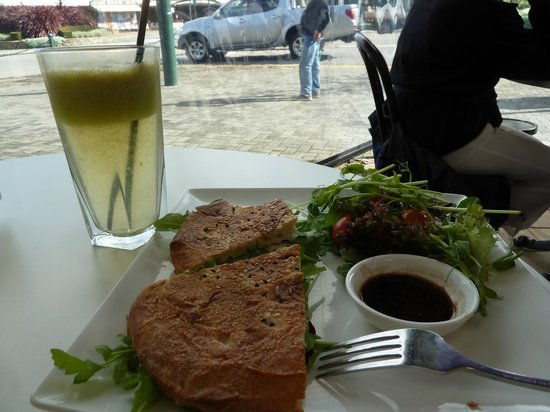 Frederick's Cafe: Peter's lunch
