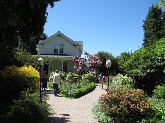 Hulda Klager Lilac Gardens: Farmhouse