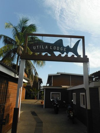Utila Lodge entrance