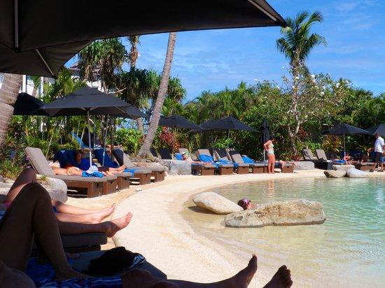 Radisson Blu Resort Fiji Denarau Island: Pool Life
