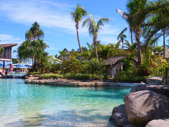 Radisson Blu Resort Fiji Denarau Island: Pool side
