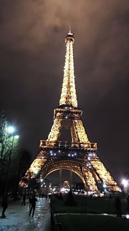Timhotel Tour Eiffel: Close to the # 1 attraction