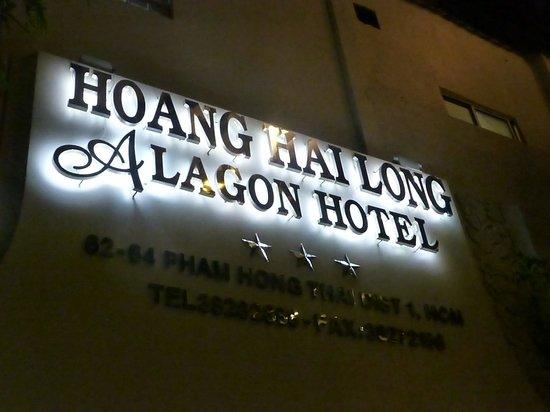 Alagon Western Hotel: Hotel entrance