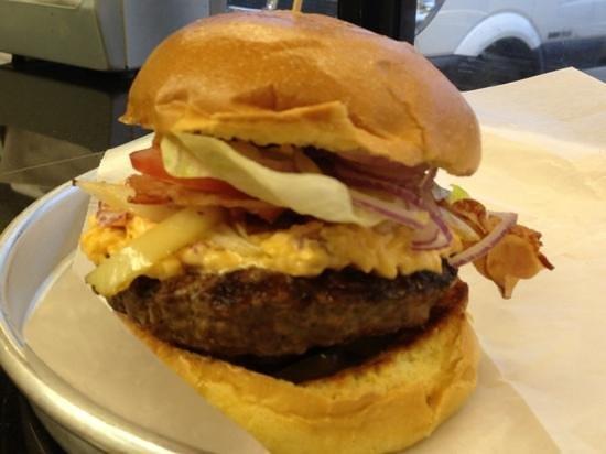 Big Burger Spot: Pimento Cheese Burger