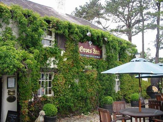 The Groes Inn: exterior