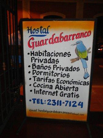 Hostal Guardabarranco: Rotulo
