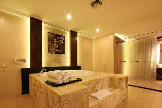 Pelangi Bali Hotel: Suite room