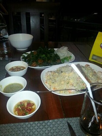 Pratunam Seafood: 2 fish dinners $125US