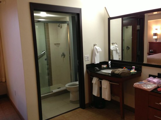 Hyatt Place Fremont/Silicon Valley: modern bathroom