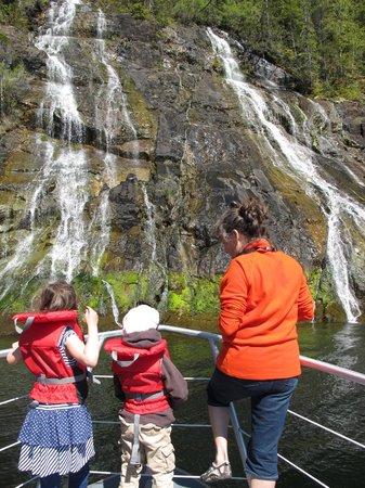 Long Beach Lodge Resort: waterfall on trip with Captain Josh