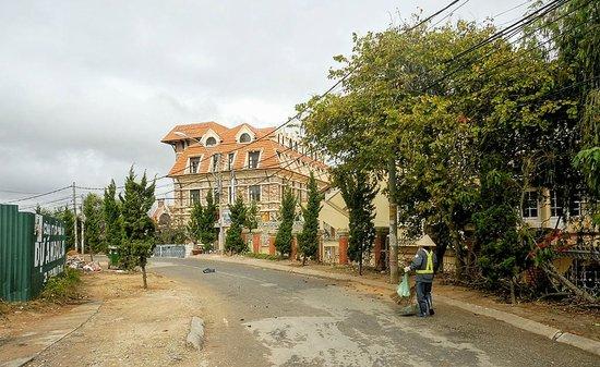 Saphir Dalat Hotel: High on the mountain