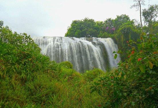Saphir Dalat Hotel: Elephant waterfall