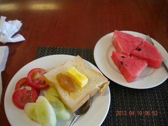 Mithrin Hotel: 朝食