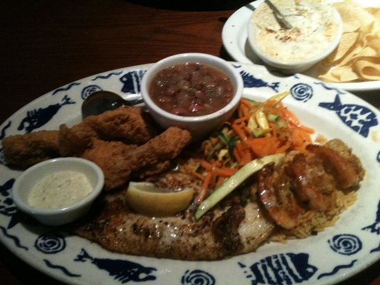 Fish Daddy's Seafood Grill: Seafood combo only 12.99