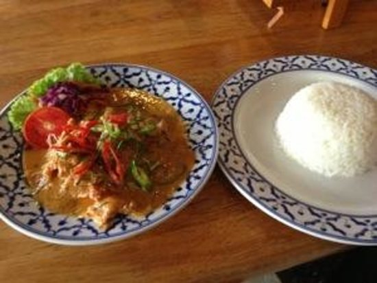 The tavern: Chicken panaeng curry