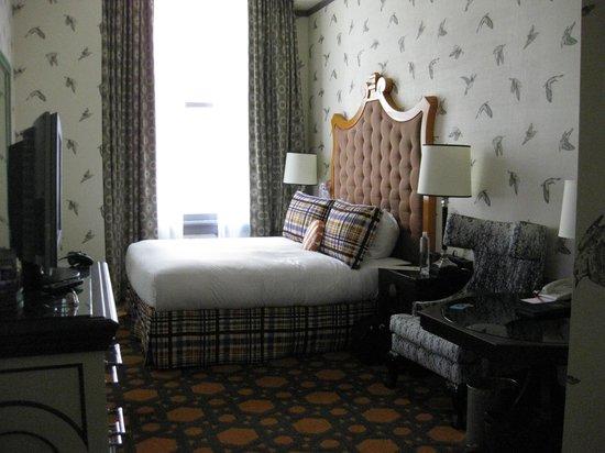 Kimpton Hotel Monaco Portland: Our room on 3rd floor
