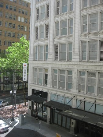 Kimpton Hotel Monaco Portland: View from our room