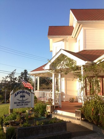 Anchorage Inn Bed and Breakfast : Entrance