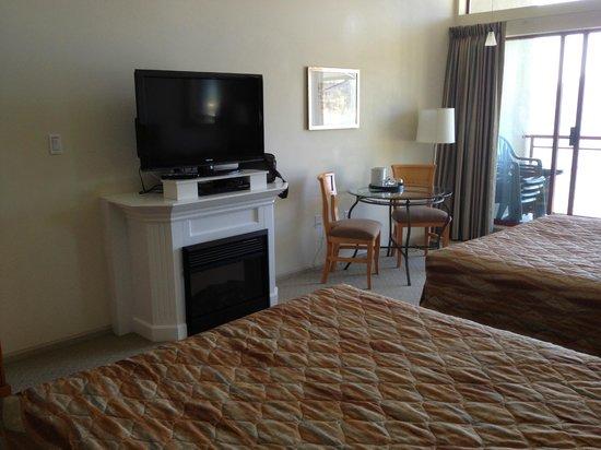 Harrison Beach Hotel: the room