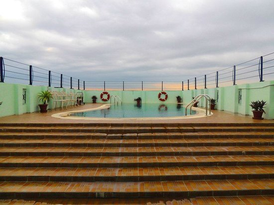 Orchid Business Hotel, Chittagong: Rooftop swimming pool