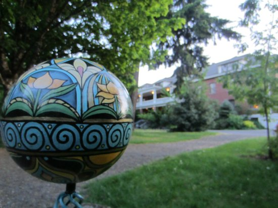 McMenamins Edgefield: Looking toward main building
