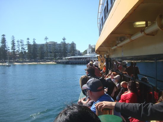 Hugos Manly : View from arriving ferry