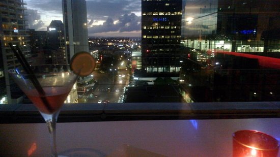 Mercure Auckland: Drinks in the restaurant
