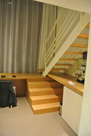Studio M Hotel: Cubicle room