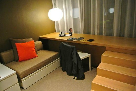 Studio M Hotel: Cubicle room