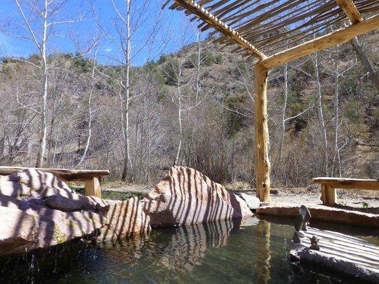 Little Toad Creek Inn & Tavern: Area hot springs