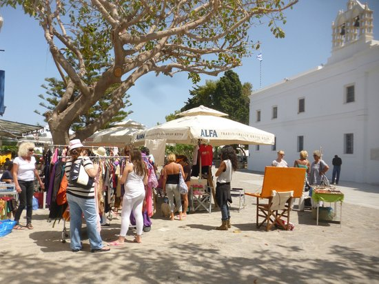 Cafe Idea hosts PAWS Easter bazaar for the strays on 7 May 2013
