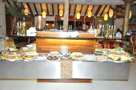 Where to Eat in Angola: The Best Restaurants and Bars