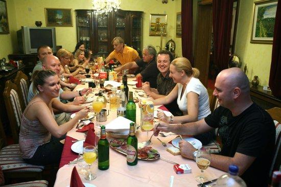 Hotel Garten: Dinner party