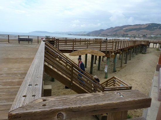 Pismo pier staircase to beach