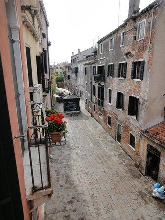 Apostoli Palace: Вид из окна номера S. Paolo