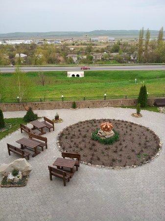 Mineralnye Vody, Russland: У дороги