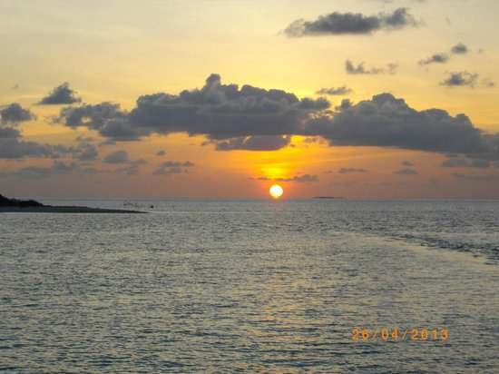 Cinnamon Hakuraa Huraa Maldives: Beautiful sunsets