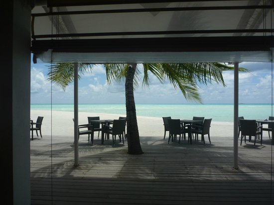 Cinnamon Hakuraa Huraa Maldives : view from our table