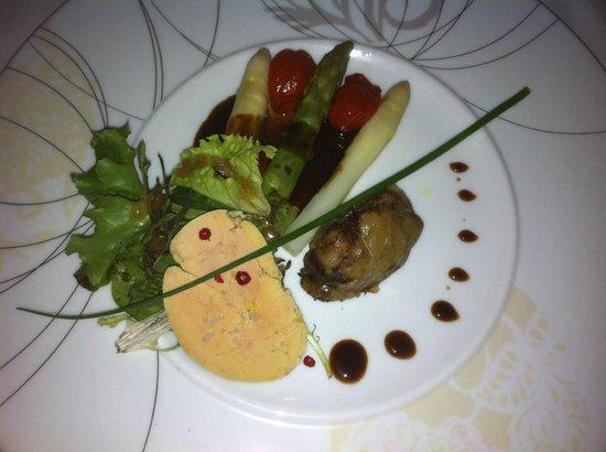 La Dinee du Viguier : entrée coté terre du QUERCY