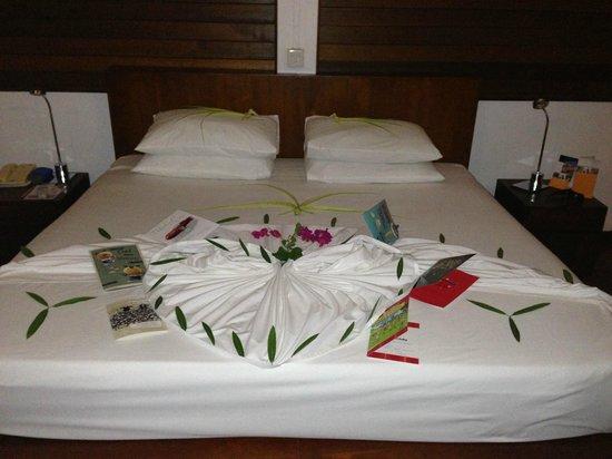 Cinnamon Hakuraa Huraa Maldives: Birthday bed