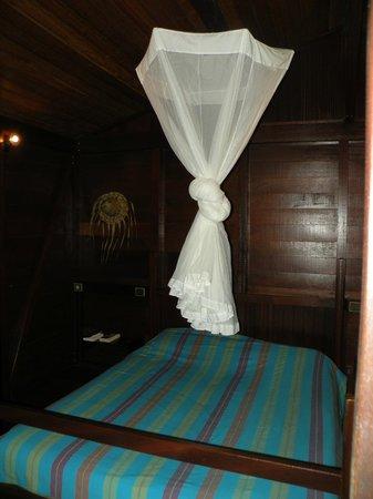 Piton Bungalows: chambre