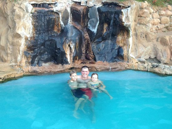 Montagu Guano Cave Resort: Hot water pool - even in winter !