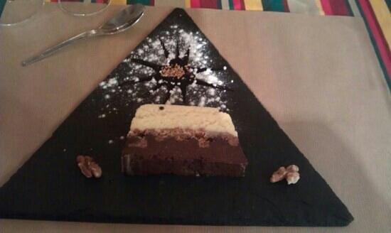le bout du monde : dessert aux deux chocolats