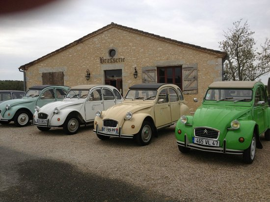 "Escapade en vehicules anciens : The little ""tjorras"""