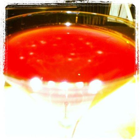 Licorish Bistro: Grape & pomegranate martini