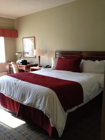 La Cuesta Inn: King bed