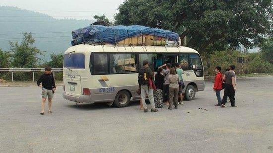 Dien Bien Phu : loading the bus