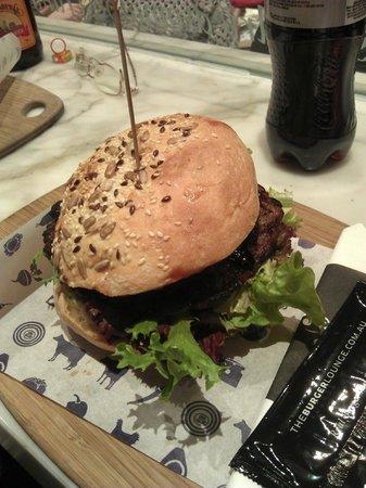 Burger Lounge: Lounge Signature Burger