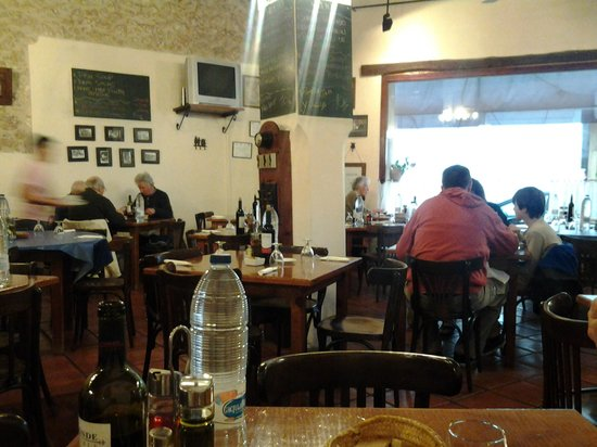 Celler El Moli: starting to fill up